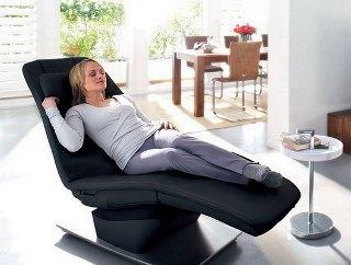 Массажные кресла стоят достаточно дорого, но вы не будете жалеть о потраченных деньгах.