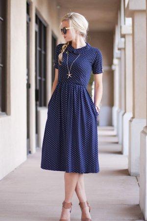 ade6417333ad Скромные платья на каждый день – фото повседневных скромных платьев