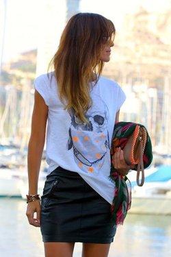 Юбка с футболкой