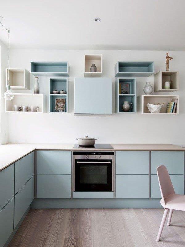 Голубой интерьер кухни