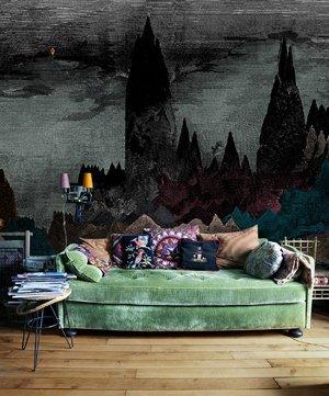 Акцент на диване