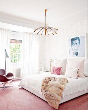 Сочетание белого цвета в дизайне спальни