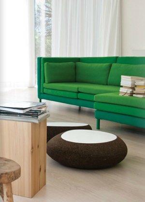Сочетание зеленого и коричневого цвета в гостиной