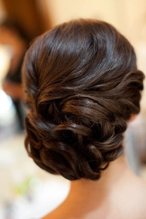 Вечерняя прическа на линные волосы
