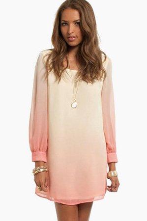 Розовое платье с градиентом