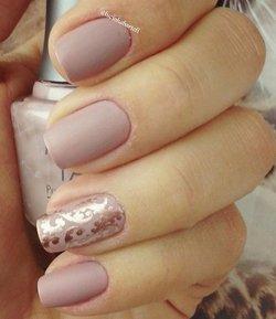 Дизайн ногтей в стиле нюд