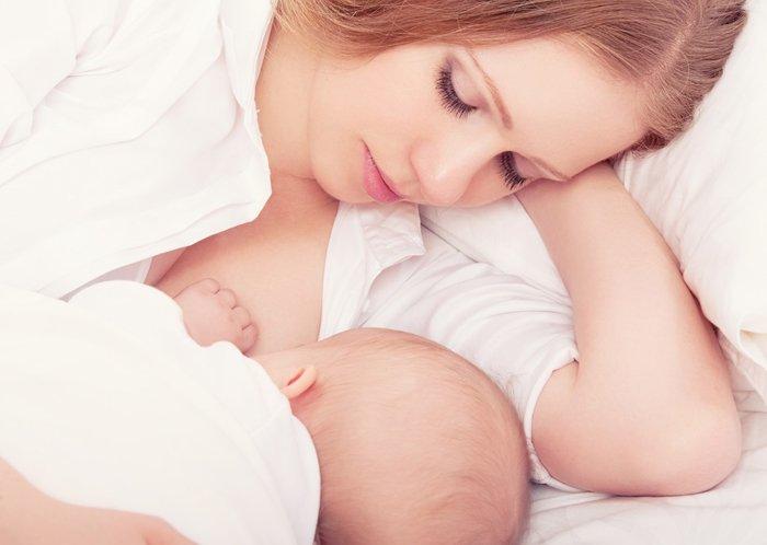 Кормить ребенка грудью