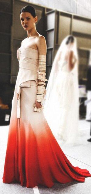 Платье с переходом цвета