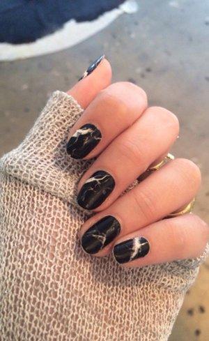 Мраморные <i>ногтях</i> черные ногти