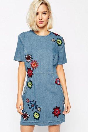 Платье деним с вышивкой