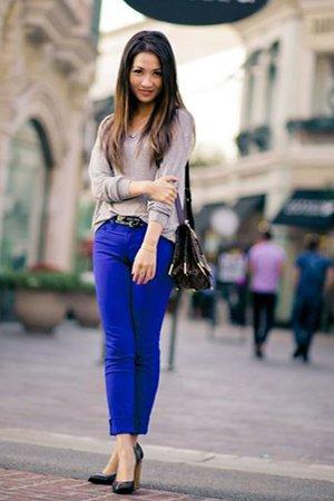 Синие брюки с джемпером