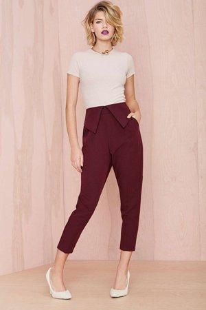 Бордовые брюки с высокой талией