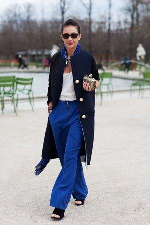 Синее пальто с брюками
