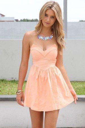 Платье для невысоких ростом девушек