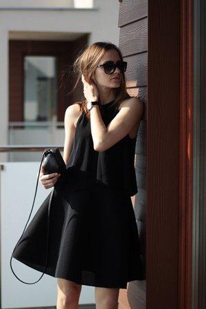Черная юбка из неопрена