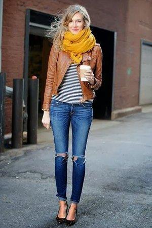 Теплый комплект одежды с джинсами