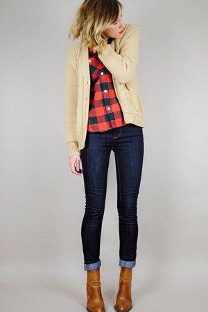 Женский комплект одежды с джинсами