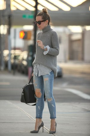 Свитер с джинсами