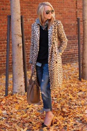Пальто из леопарда