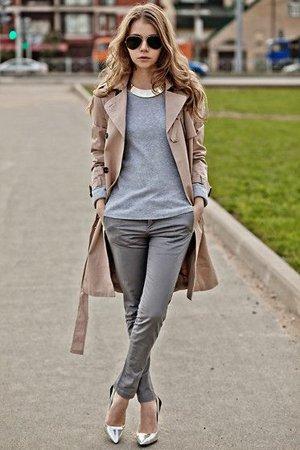 Серые брюки с пальто