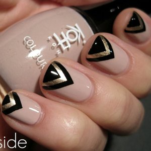 Дихайн треугольника на ногтях