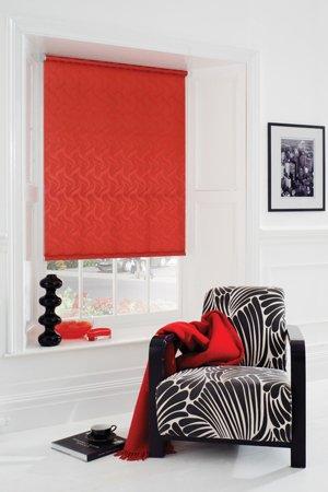 красные рулонные шторы