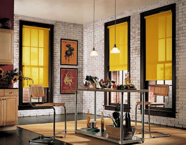 Желтые рулонные шторы в стиле лофт