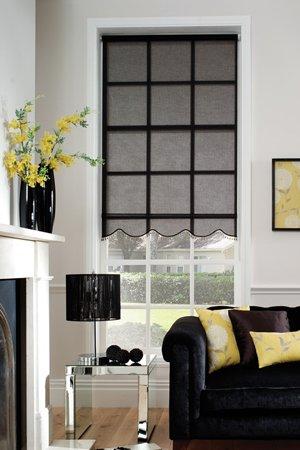 черные рулонные шторы