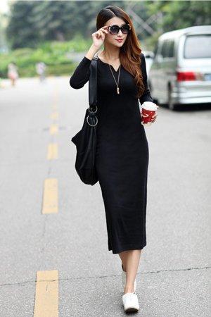Черное платье с кросовками