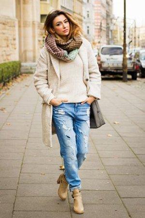 С чем носить джинсы бойфренды осенью