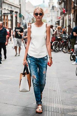 Комплект одежды с джинсами