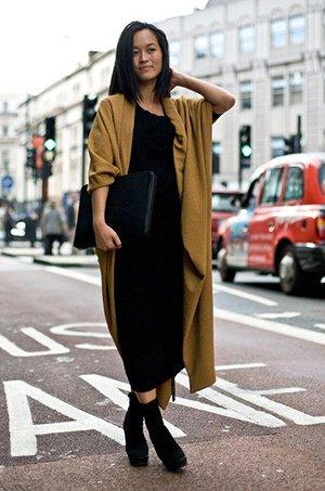 Платье с деловым клатчем