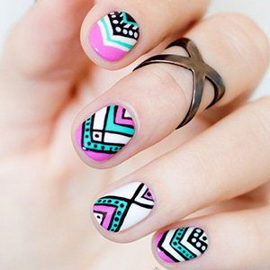Узоры на коротких ногтях