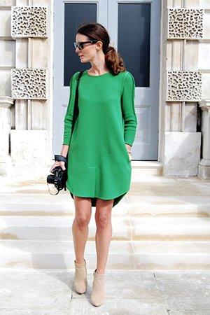 Зеленое безразмерное платье