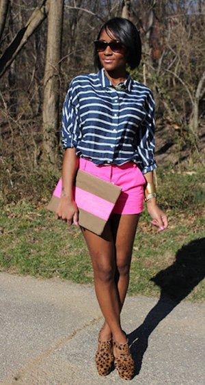 Шорты с полосатой рубашкой