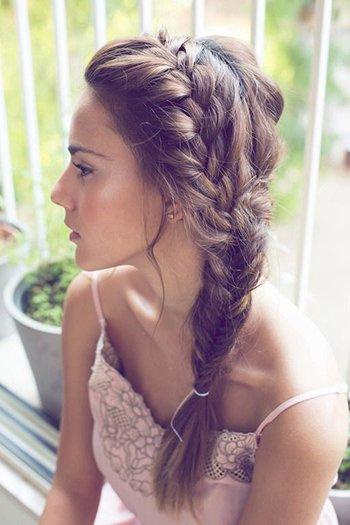 Романтический образ с косой
