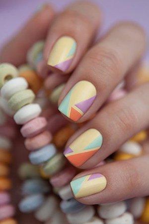 Узоры на ногтях в пастельных тонах