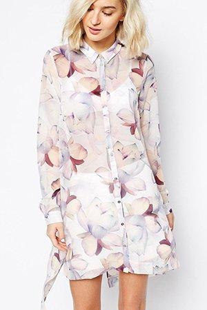 Короткое платье-рубашка с длинным рукавом