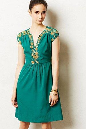 Платье сине-зеленого оттенка