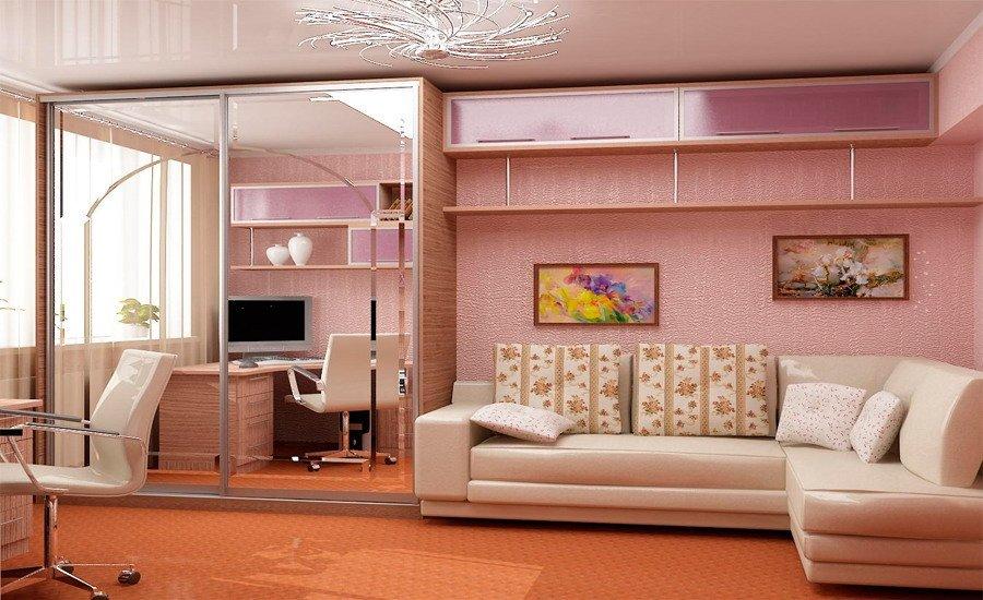 Большой шкаф в гостиной