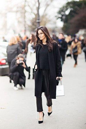 Черный цвет одежды