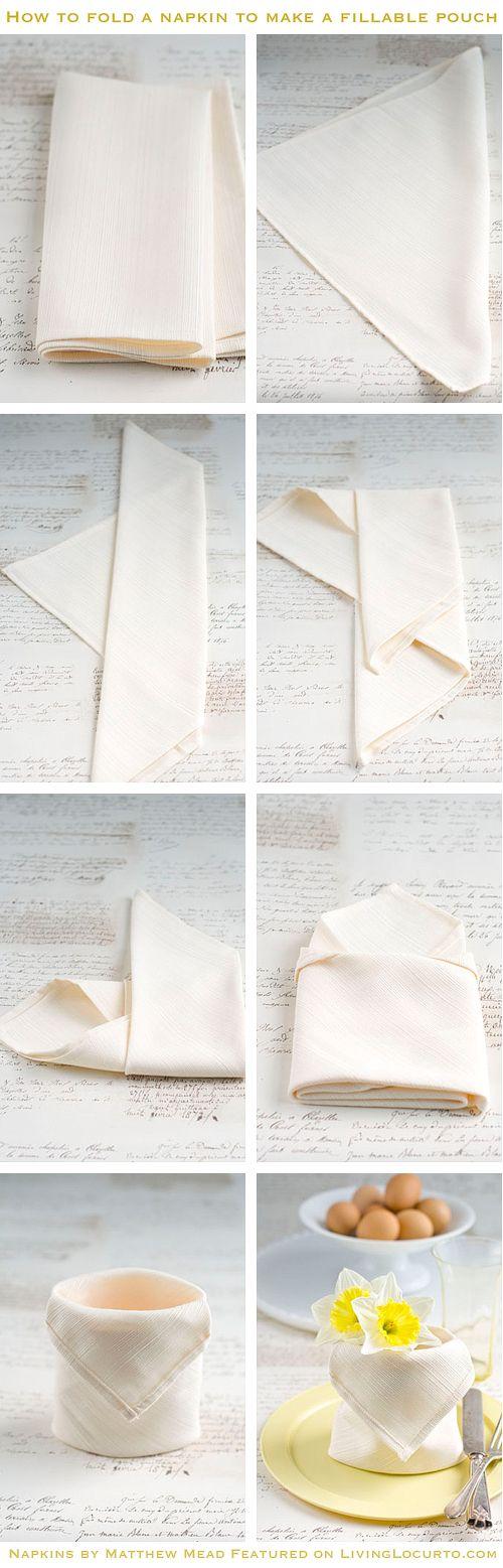 Белая тканевая салфетка
