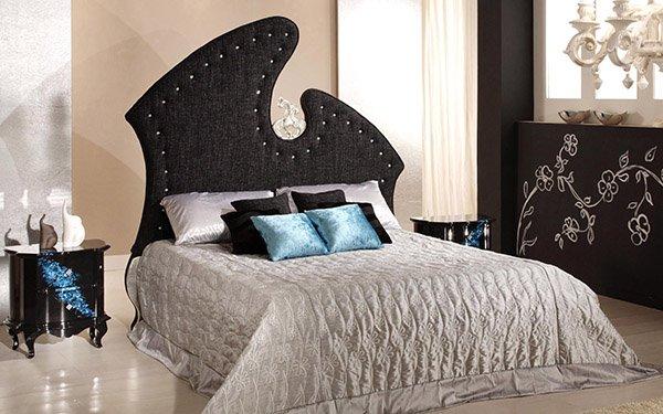 Декор подушками кровать
