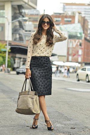 Модный образ с бежевой сумкой