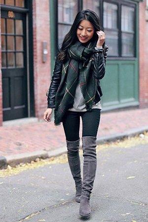 Серые замшевые ботфорты с курткой