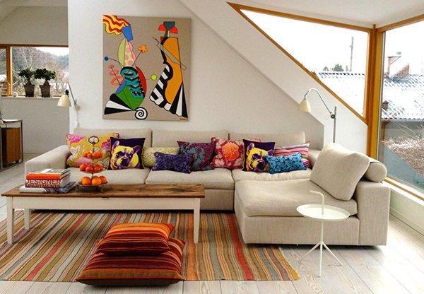 Фото подушек в интерьере гостиной