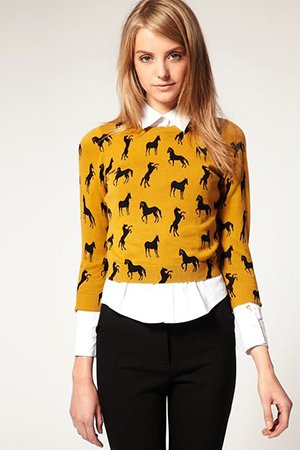 Короткий свитер с рубашкой