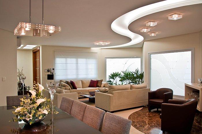Потолок с узором полны из светодиодов