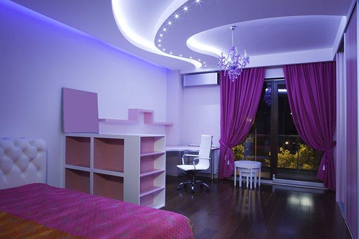 Фото интерьера со светодиодным потолком