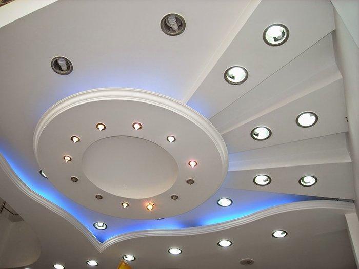 Многоуровневый потолок со светодиодной подсветкой